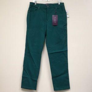 NWT Gloria Vanderbilt Amanda Jeans
